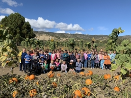 First Graders Visit Hunter Orchards